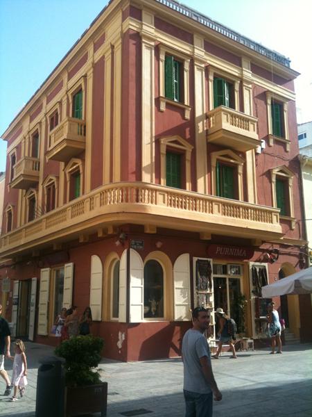 immeuble rouge Ibiza