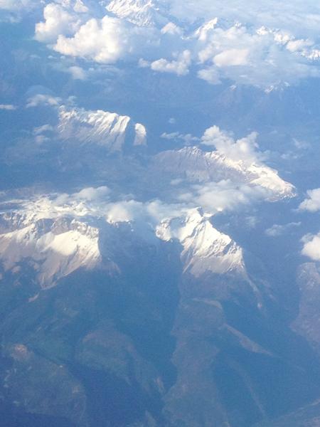montagnes vues du ciel